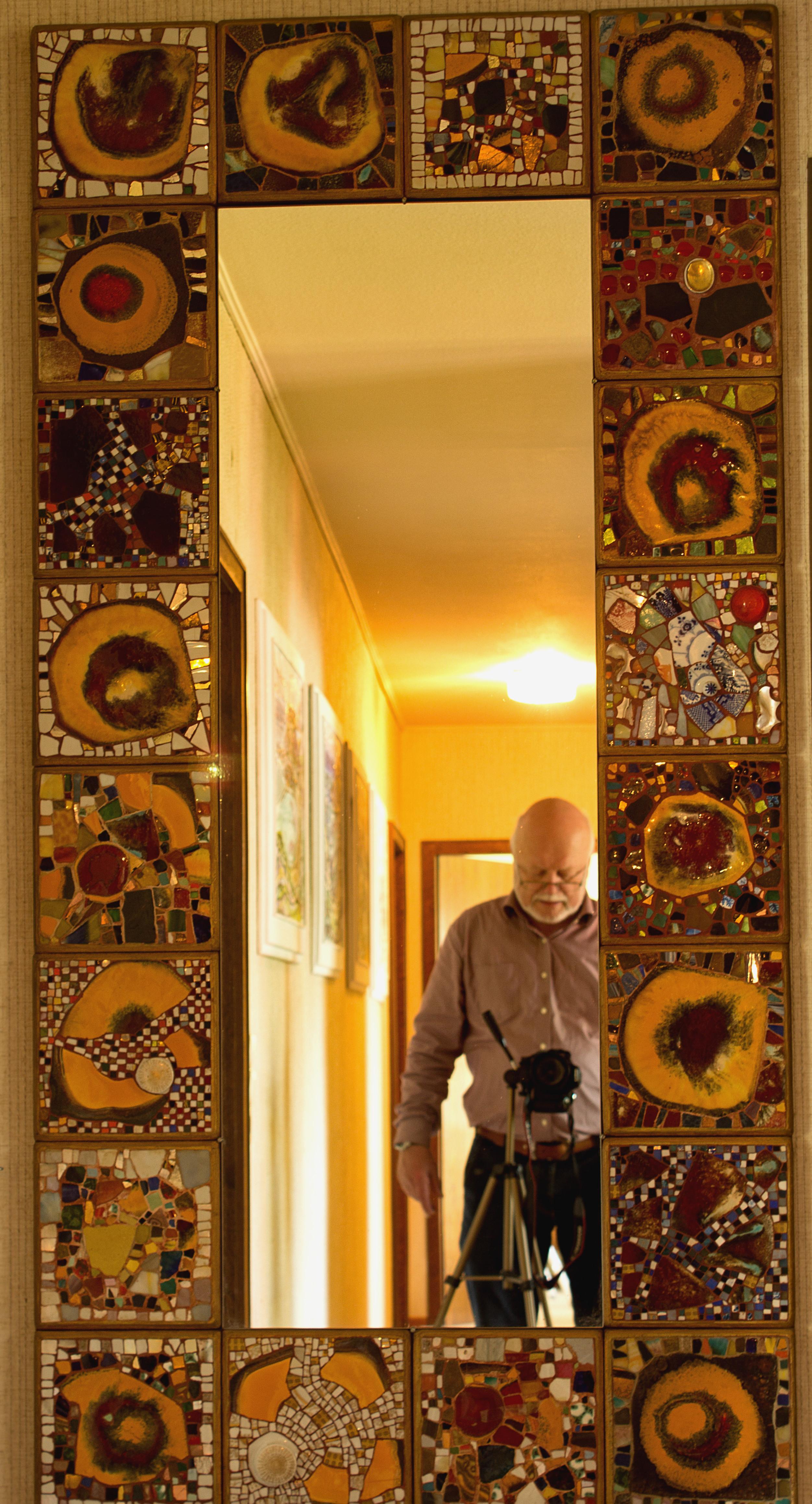 Ein großer Spiegel. Künstler Josef Dieck